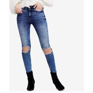 Free People Busted Knee Skinny Jeans size 30